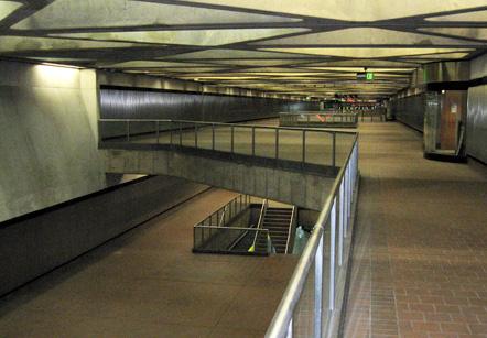detail-metro-station